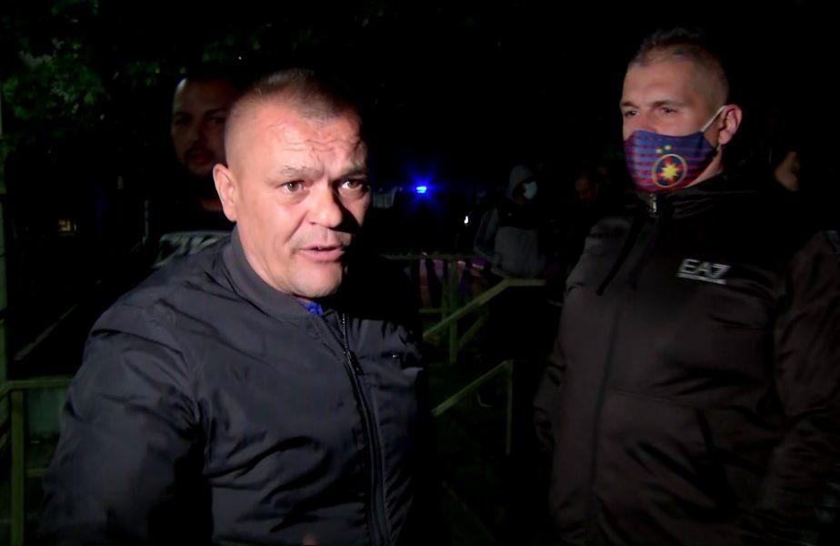 """Scandal la FCSB după ce Gigi Becali l-a pus pe Şumudică antrenor! Liderul ultraşilor a trecut la ameninţări: """"Nu va sta o clipă pe bancă! Să se ducă la Rapid!"""""""