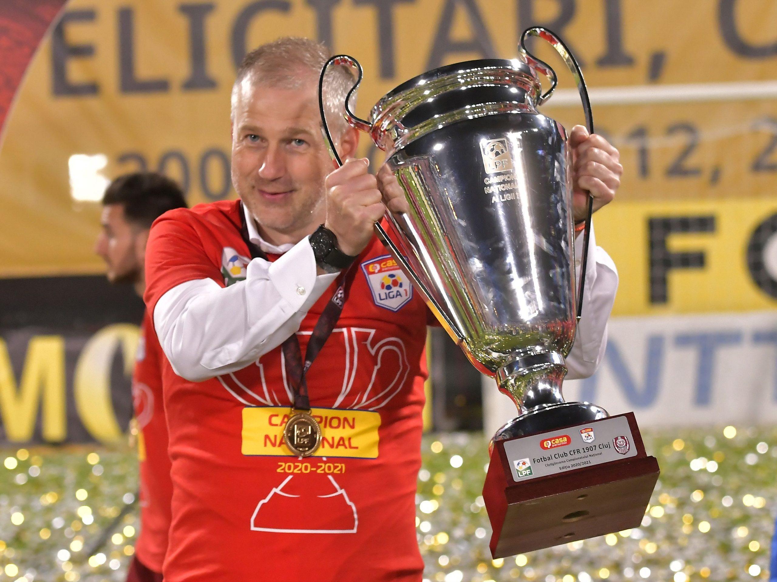 """Edi Iordănescu pleacă de la CFR Cluj! Antrenorul şi-a anunţat despărţirea de campioana României: """"Nu plec pentru bani!"""""""