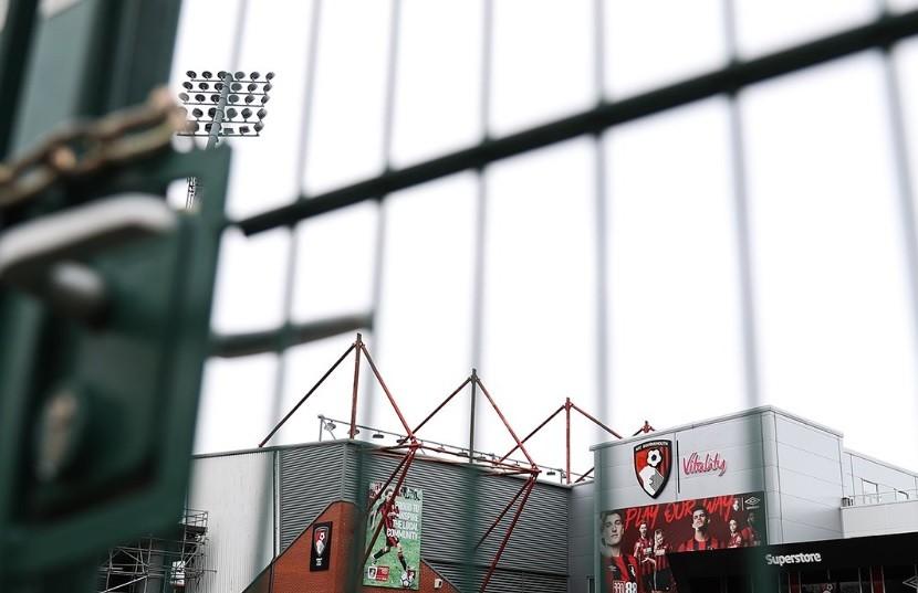 Veşti proaste pentru fanii din Anglia! Pot fi lăsaţi în afara stadioanelor şi în sezonul următor