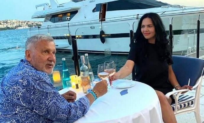 Ilie Năstase a închiriat o întreagă plajă pentru a-şi convinge soţia să nu divorţeze. Cum au fost surprinşi, pe nisip