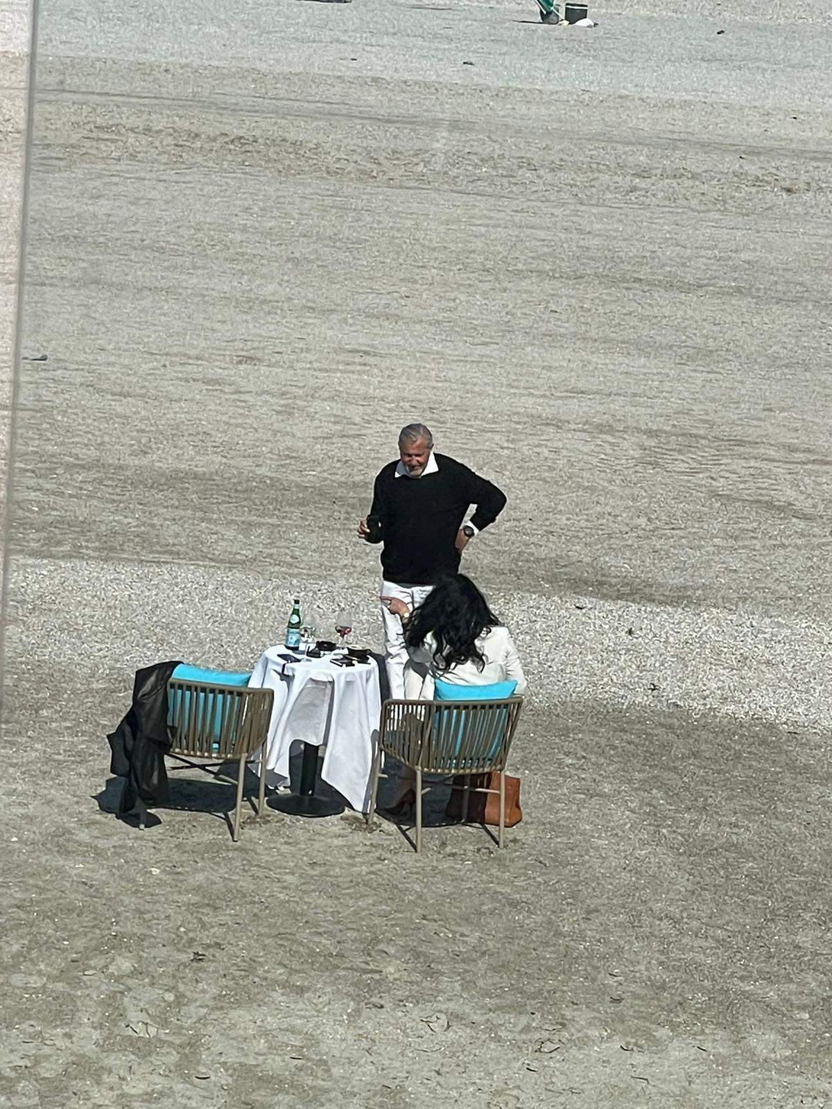 Ioana Năstase, pe nisip alături de Ilie