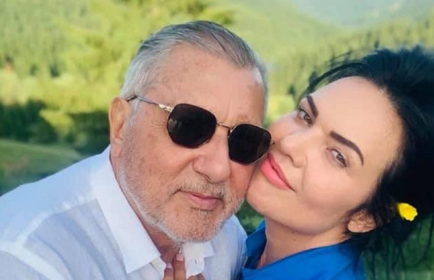 Ioana Simion, apariţie de 240.000 de euro! Soţia lui Ilie Năstase, surprinsă în Capitală cu bolidul făcut cadou de Nasty