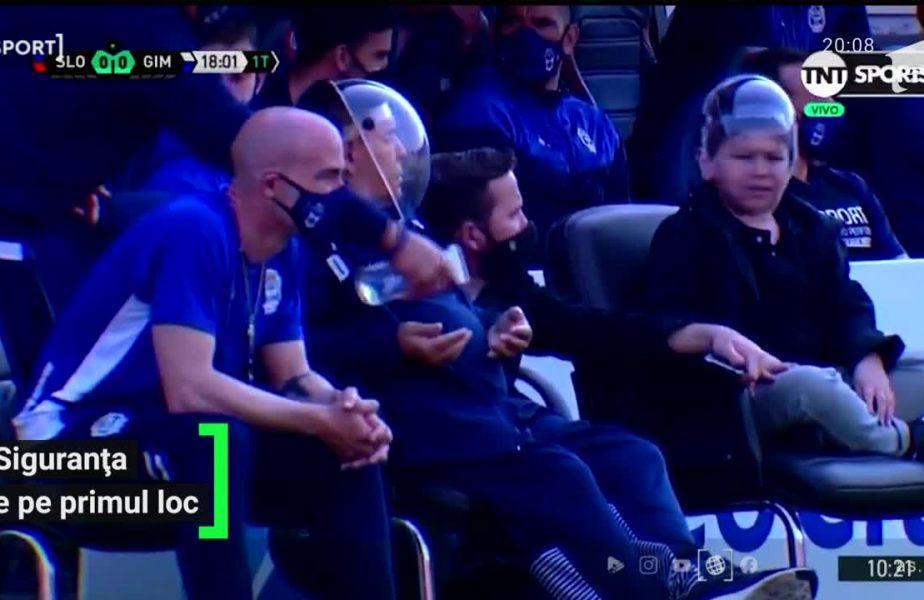 E Buzz din Toy Story? S-au întrebat argentinienii când L-au văzut pe Maradona cum a apărut la amicalul echipei lui!