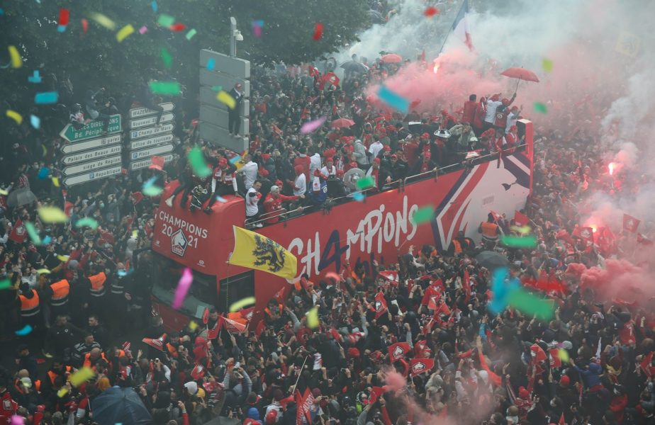 Lille a primit trofeul de campioană a Franţei! Fanii au declanşat fiesta pe străzi. Cum au petrecut jucătorii lui Christophe Galtier