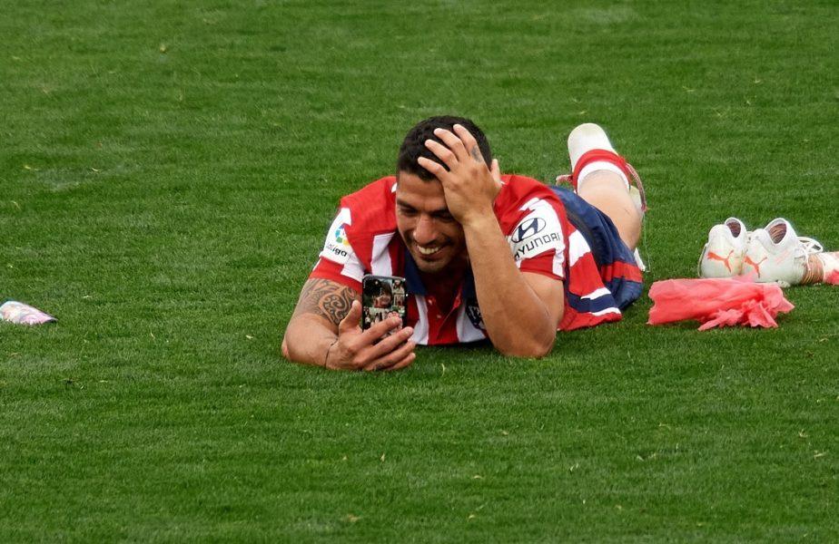 """Luis Suarez a plâns pe teren şi imaginile au devenit virale. """"Soţia mea plângea şi ea la telefon. Banii nu aduc fericirea"""""""