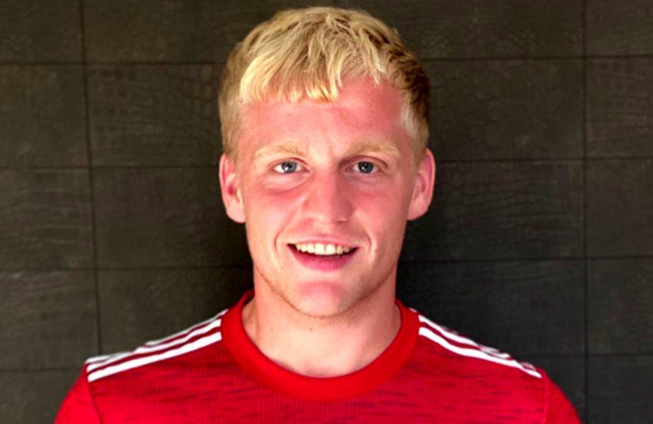 Dorit de Koeman la Barcelona, Van de Beek a preferat-o pe United