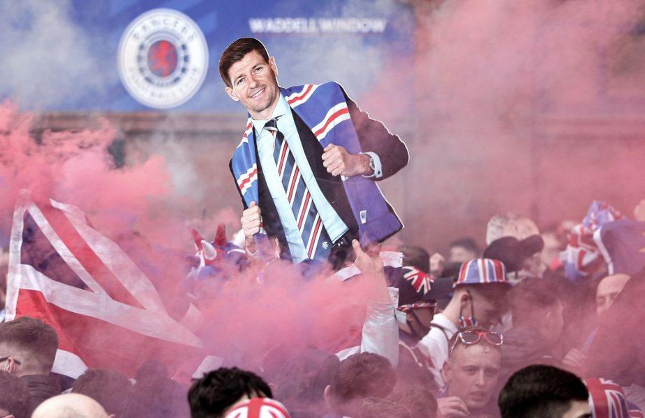 Ianis Hagi a primit medalia de campion al Scoţiei. Fanii lui Rangers sărbătoresc pe străzi! Au venit cu un sicriu verde la Ibrox