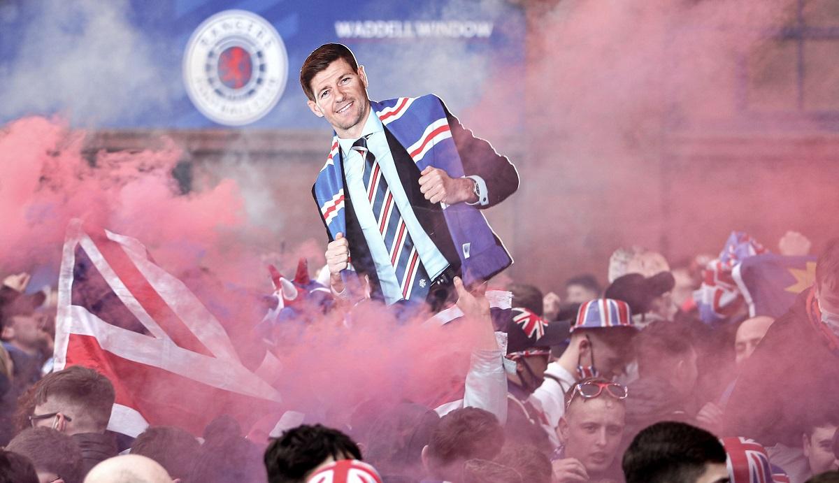 Sărbătoare pe străzi după titlul câştigat de Rangers