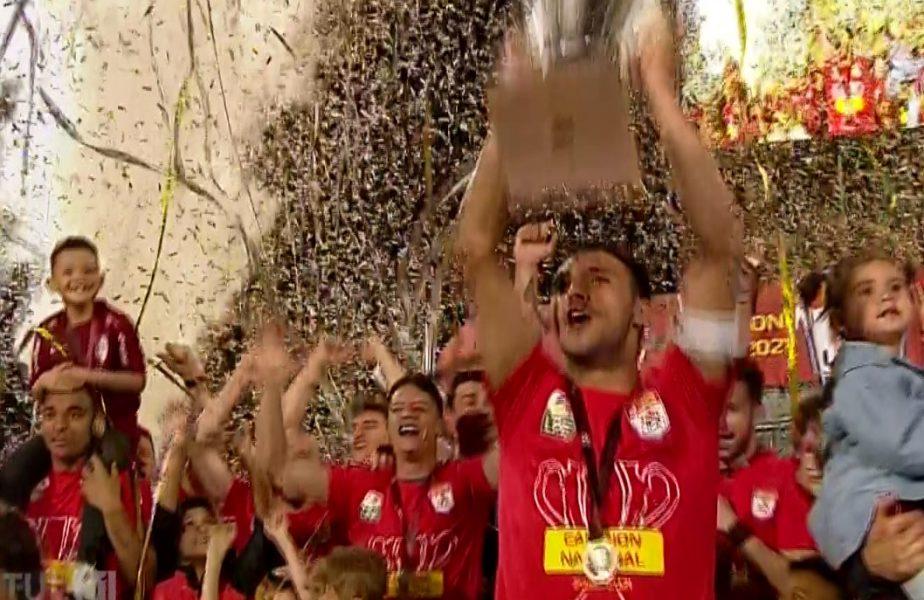 CFR Cluj, campioana României! Imaginile bucuriei de la Cluj. Ardelenii au primit trofeul pe care au pus stăpânire în ultimii 4 ani