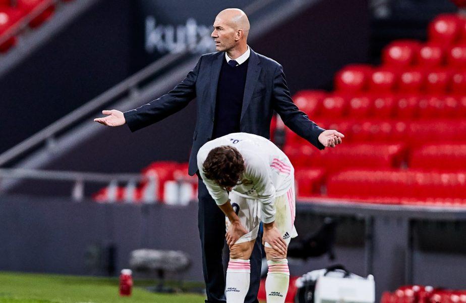 """Zinedine Zidane a răbufnit! Nu pleacă de la Real Madrid! """"Cum aş putea să le spun jucătorilor mei acum că voi pleca? Este o minciună"""""""