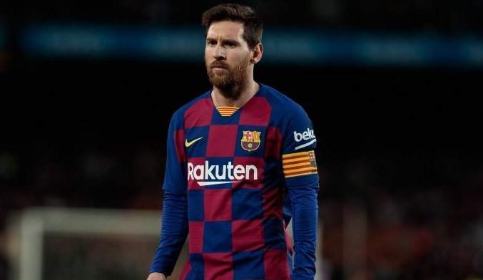 Messi se laudă cu un câine uriaș!