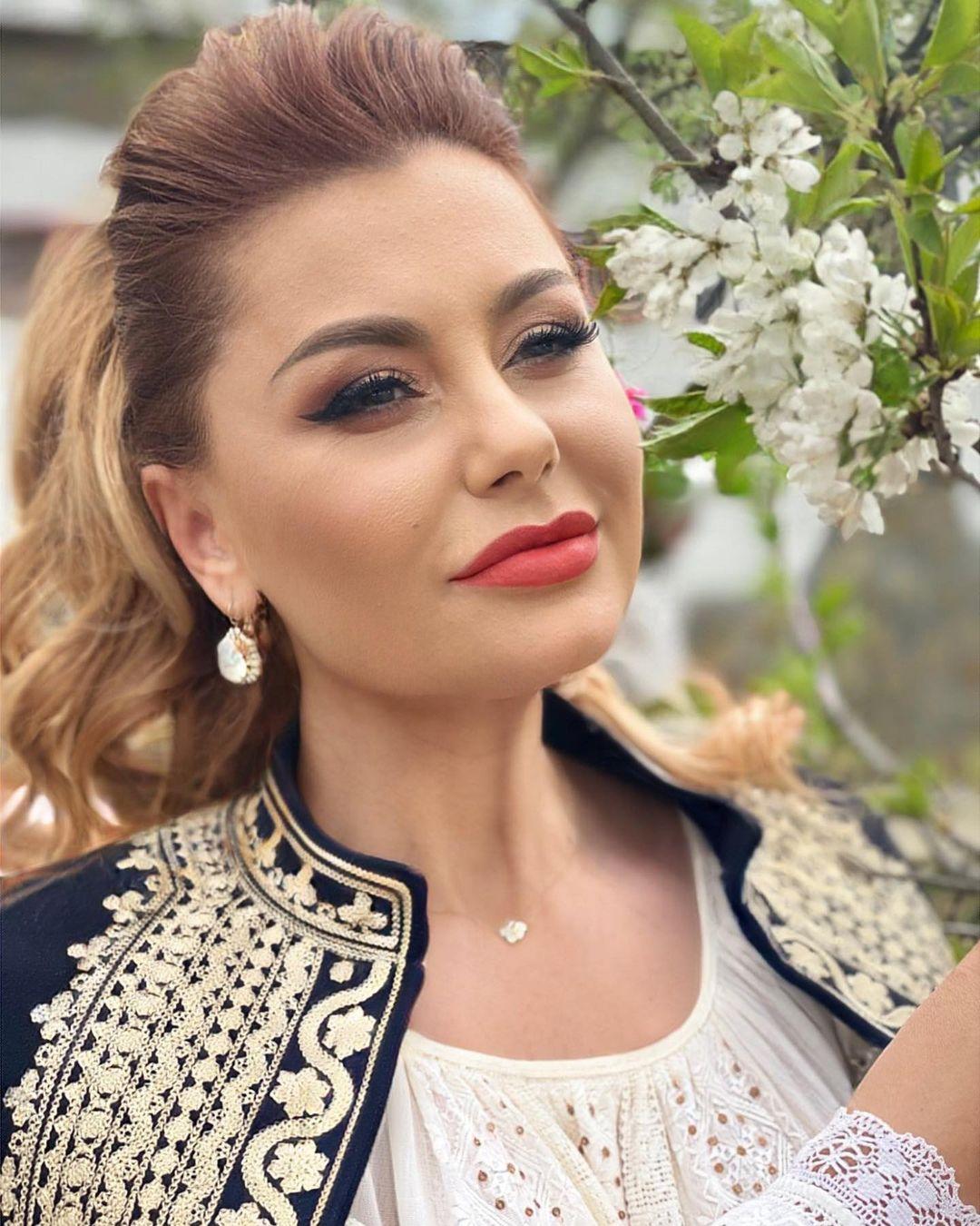 Instagram Emilia Ghinescu