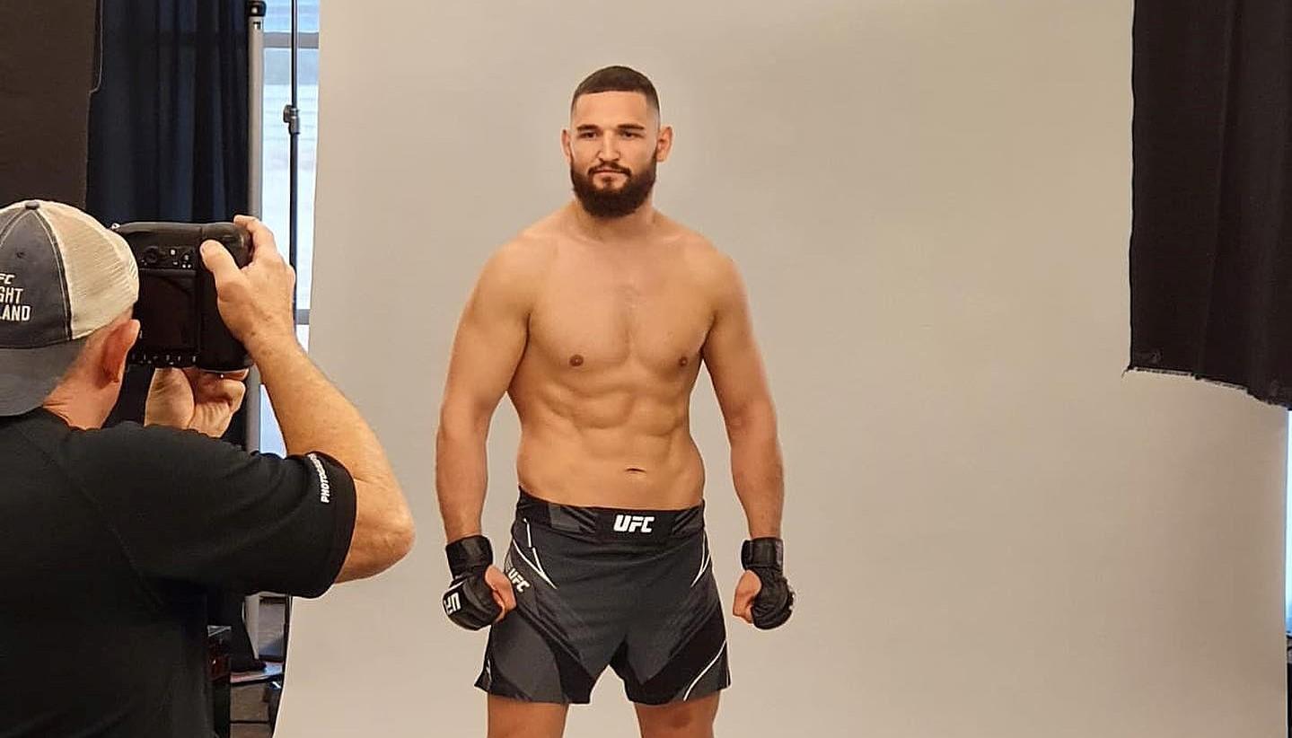Negumereanu luptă în UFC!