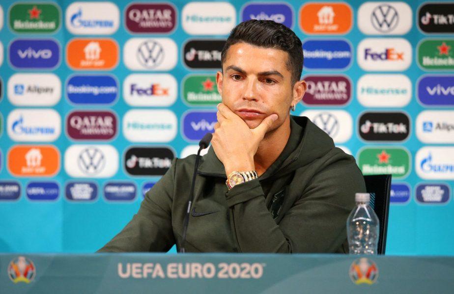 Euro 2020 | Cristiano Ronaldo, gest incredibil! Starul portughez s-a enervat din cauza a doua sticle de suc. Ce a făcut în timpul conferinţei de presă VIDEO