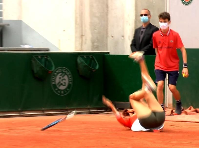 Sorana Cîrstea, aproape de o accidentare horror în timpul meciului cu Daria Kasatkina / Sursa: captură Eurosport