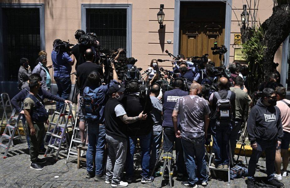 """Continuă ancheta în cazul morţii lui Diego Maradona. Fosta psihiatră a lui """"El Pibe D'Oro"""", audiată şase ore de procurori"""
