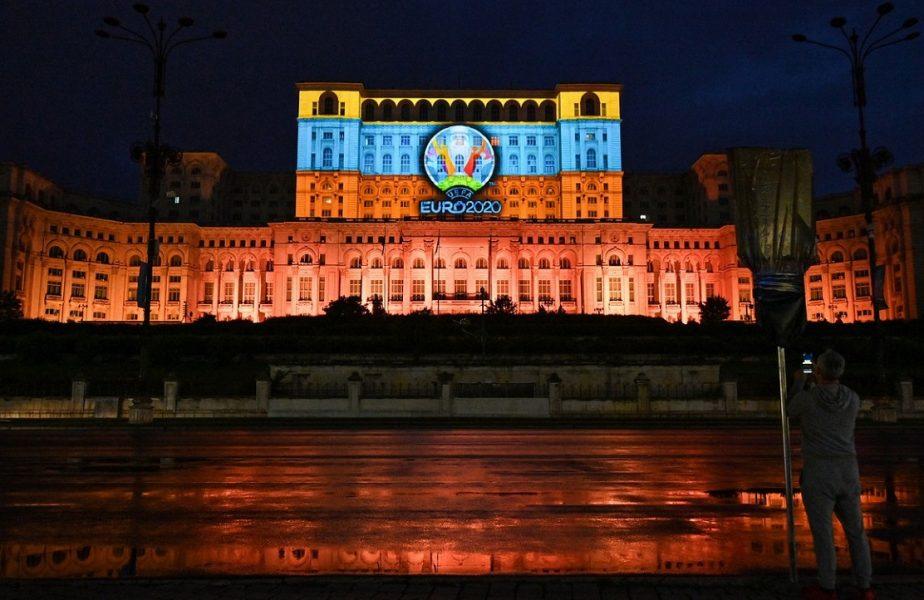 Spectacol de lumini pe Casa Poporului