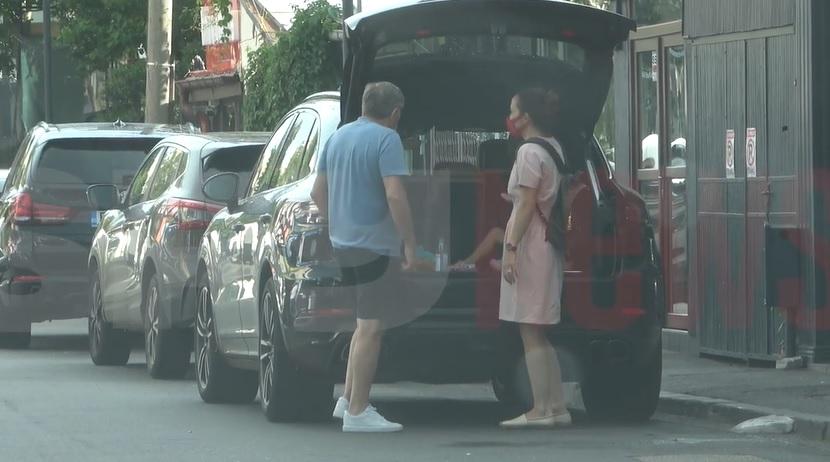 Milionarul român care conduce cu fetiţa în portbagajul maşinii de 100.000 de euro