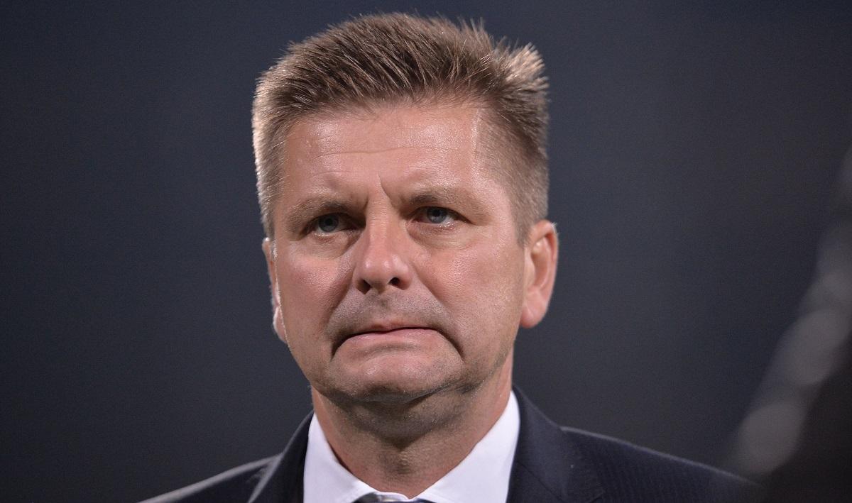 Săptămână decisivă la Dinamo. Dusan Uhrin cere transferuri
