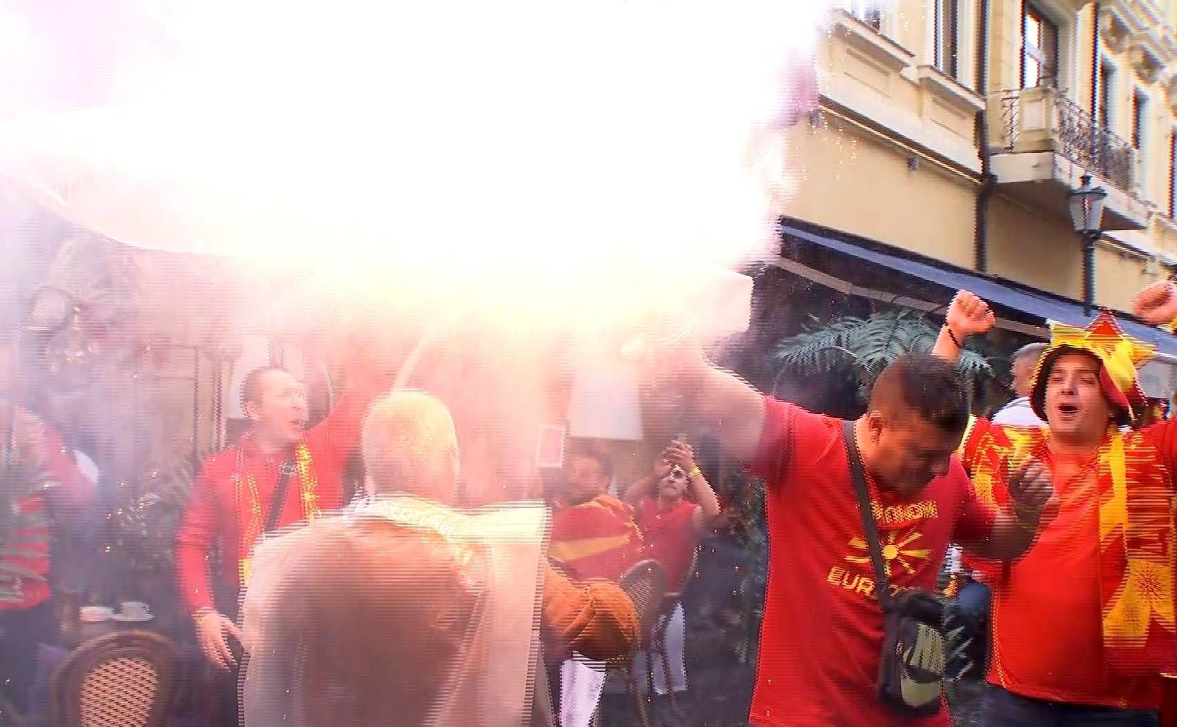 Fanii Austriei şi ai Macedoniei de Nord s-au întâlnit în Centrul Vechi / AS.ro