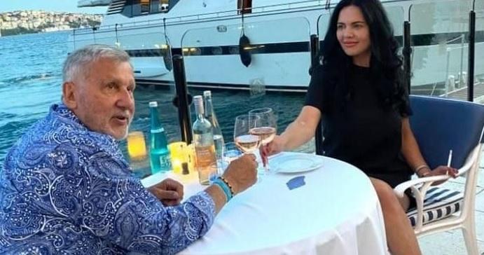 Ioana Năstase şi-a retras cererea de divorţ