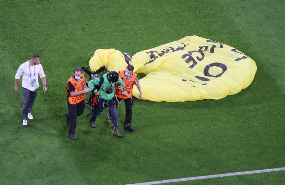 Euro 2020 | Activistul Greenpeace de la Germania – Franţa era să fie împuşcat de lunetişti! Explicaţiile gestului său şi ce mesaj avea pregătit
