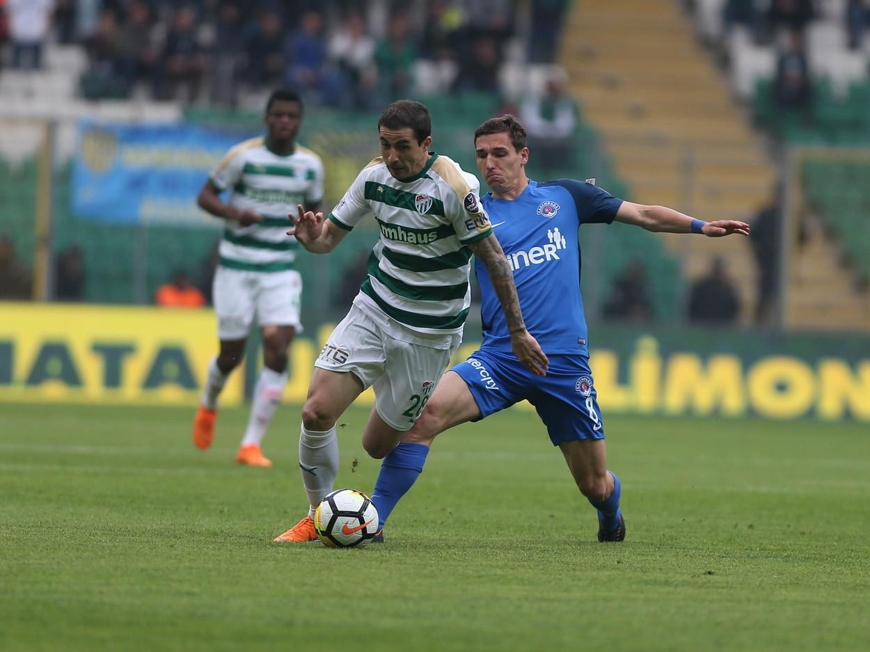 Bogdan Stancu, în timpul unui meci din Turcia