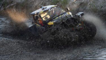 Tragedie la o cursă din România! Adrian Cernea a murit, după ce maşina a fost luată de viitură. Gestul emoţionant făcut în memoria sa