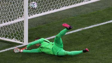 Euro 2020   Polonia – Slovacia 1-1. Karol Linetty îi readuce pe polonezi în joc! Ovidiu Haţegan, la centru în confruntarea dintre Lewandowski și Hamsik