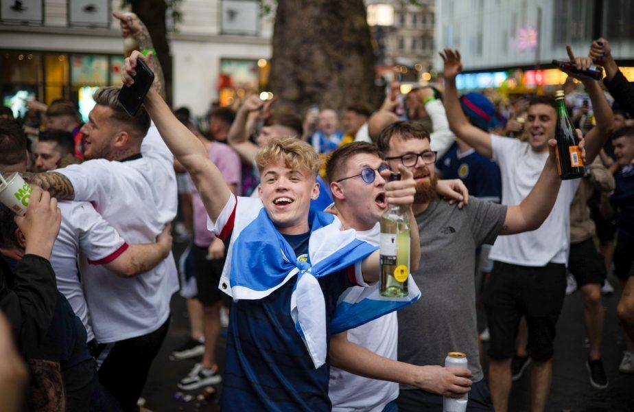 Euro 2020 | Nebunie la Londra! Mii de fanii scoţieni au venit pentru meciul cu Anglia. Măsura extremă luată de autorităţi