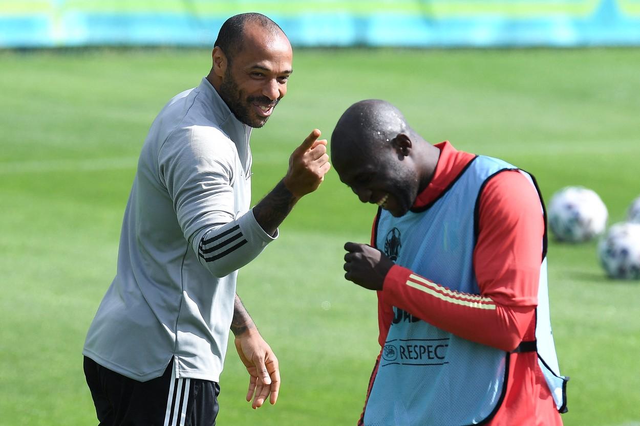 Thierry Henry şi Romelu Lukaku la un antrenament al Belgiei la Euro 2020