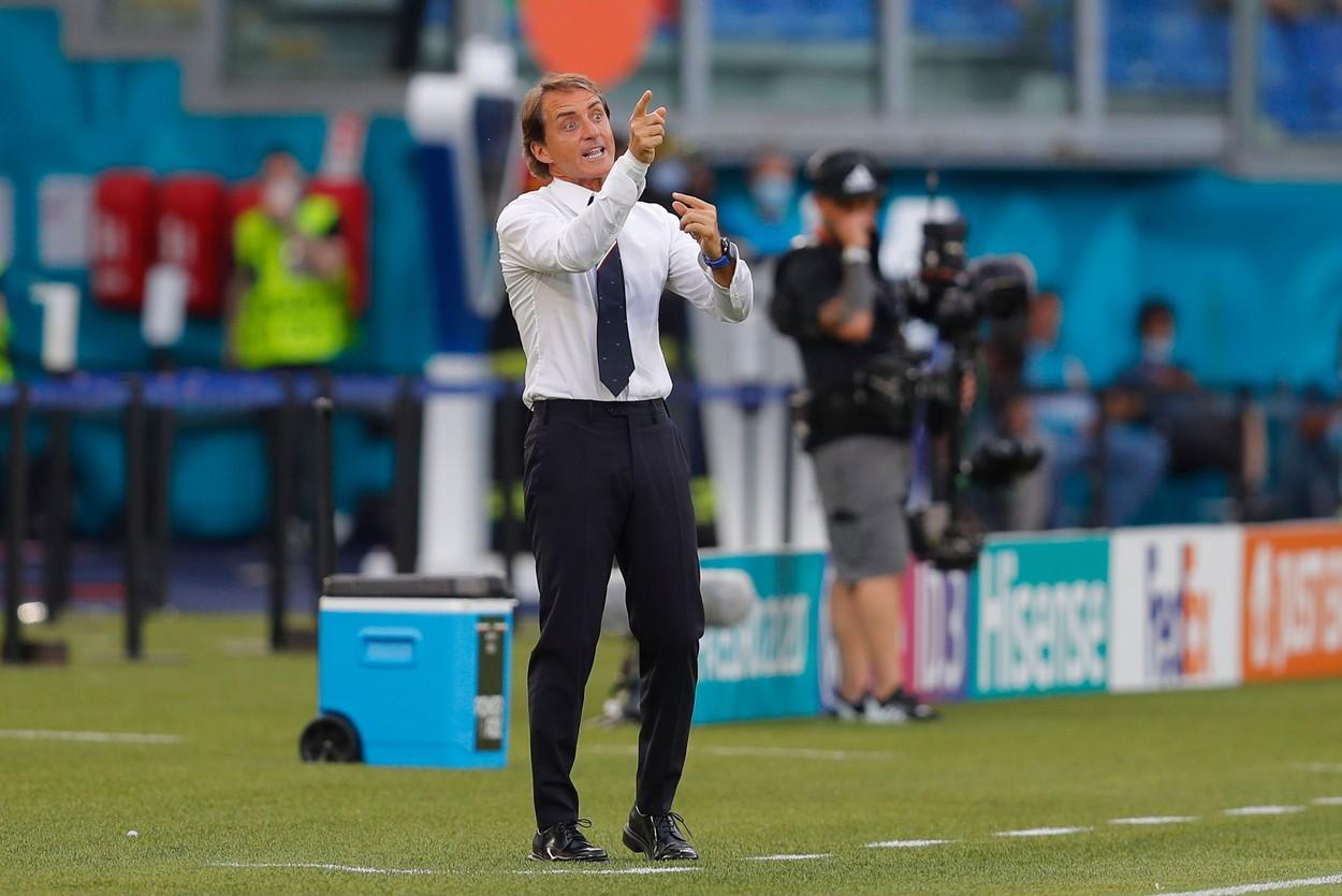 Roberto Mancini, selecţionerul Italiei, în timpul meciului cu Ţara Galilor, de la Euro 2020