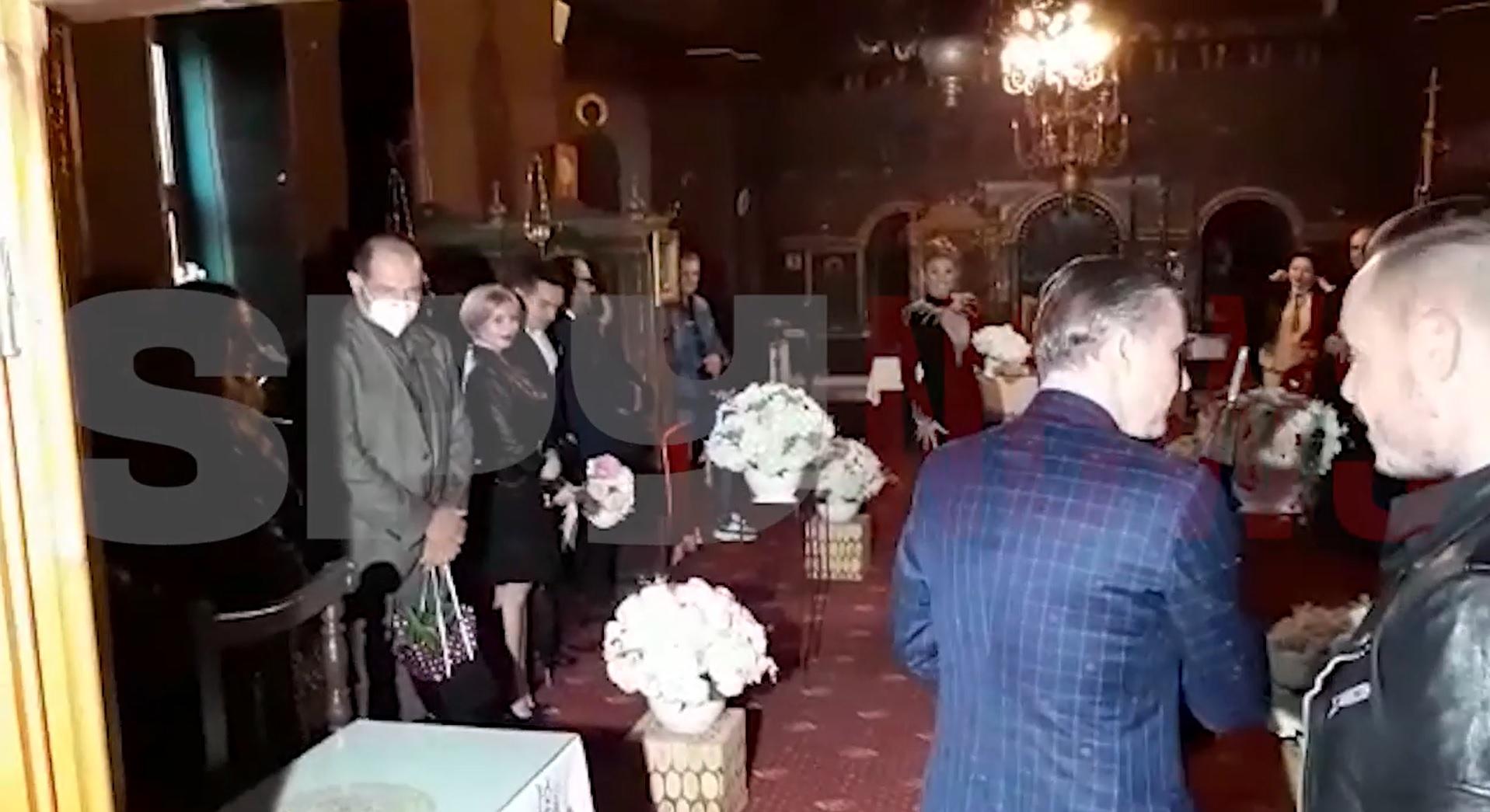 Anamaria Prodan a ajuns din nou în faţa altarului