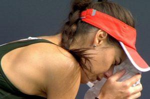 Sorana Cîrstea, lovită de minge în faţă în timpul meciului cu Petkovic de la Bad Homburg