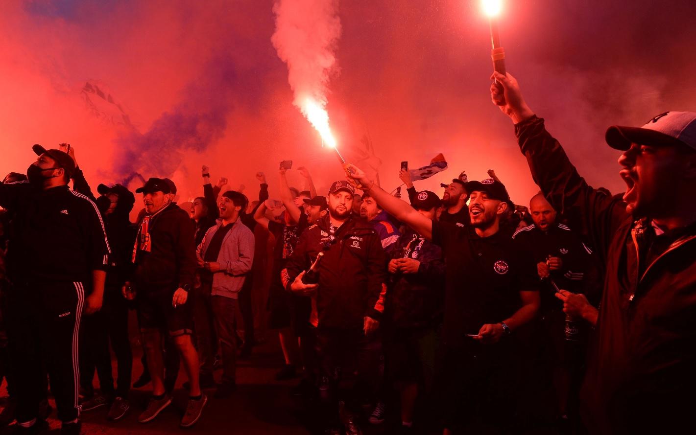 CSA Steaua, amenințată de ultrași