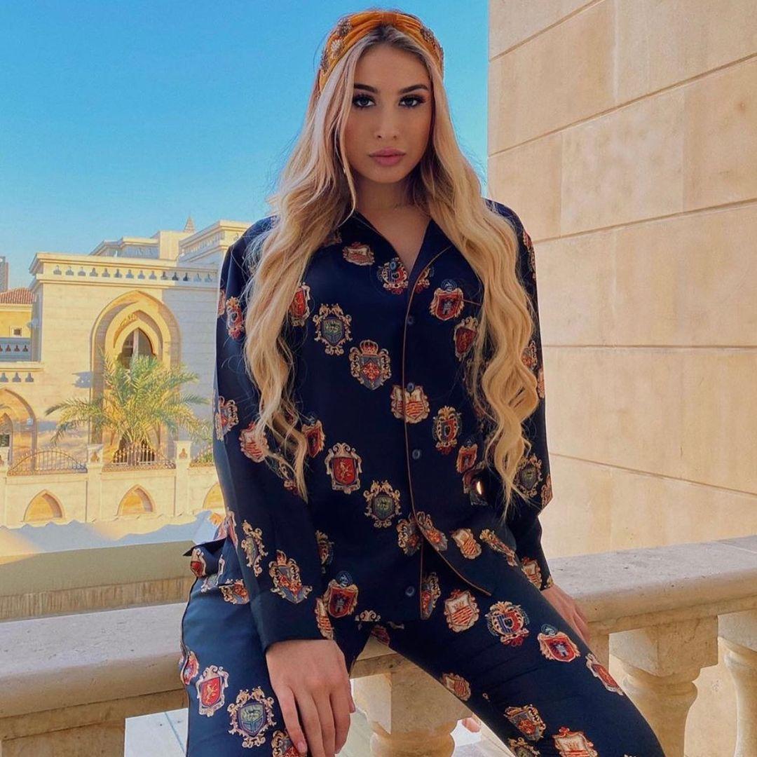 Apariţie de sute de mii de euro a fiicei Anamariei Prodan