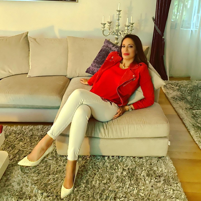 Facebook Irina Deleanu