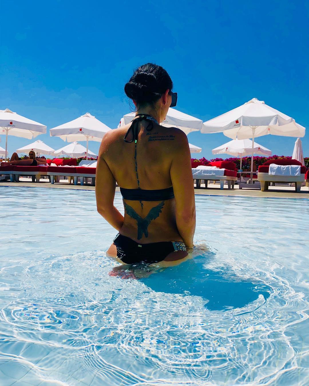 Brigitte Sfăt, la piscină