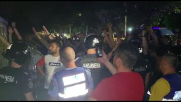"""Scandal la Craiova! Fanii s-au dus peste jucători după umilința cu FK Laci: """"Vă rupem picioarele!"""""""