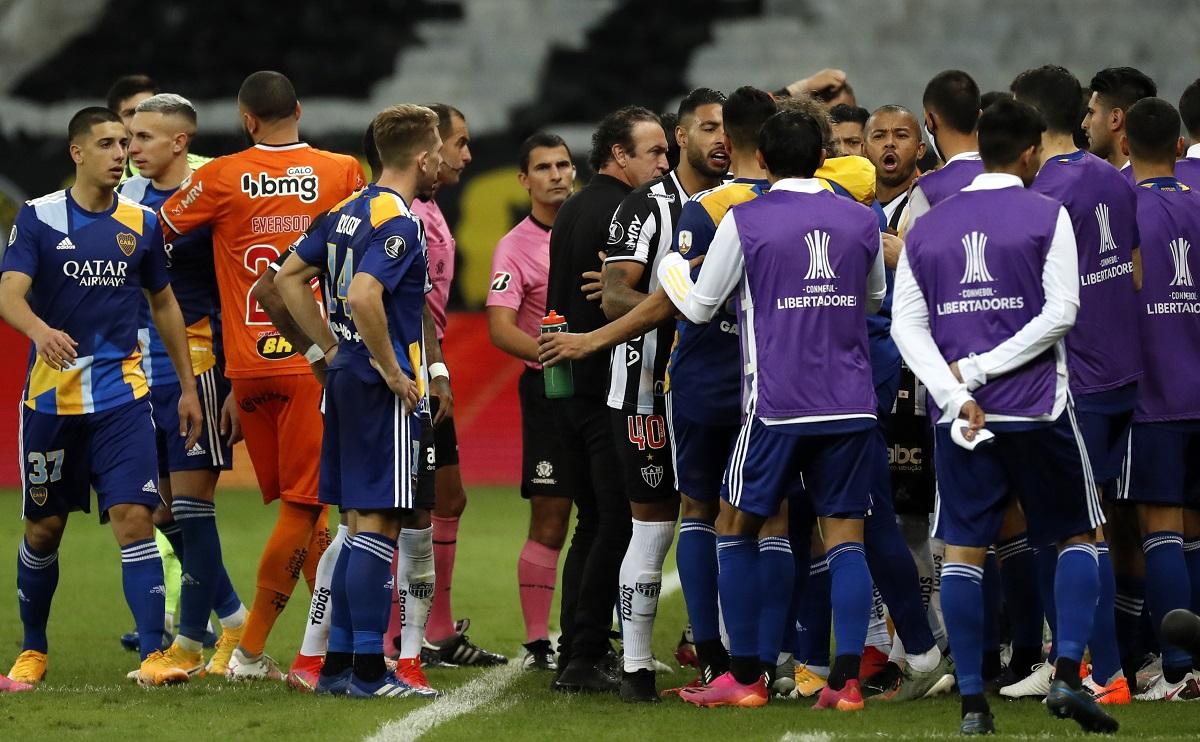 Haos total după eliminarea starurilor de la Boca Juniors din Copa Libertadores