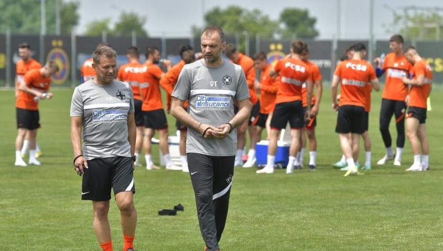 """""""Următoarea prezentare de antrenor la FCSB va fi la biserică!"""" Dinu Todoran, ironizat după conferinţa de presă comună cu MM Stoica: """"E degradarea fotbalului"""""""