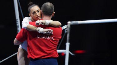 Jocurile Olimpice 2020 | Larisa Iordache, ca şi calificată în finala de la bârnă! Gimnasta s-a accidentat însă la gleznă. Ghinion teribil şi lacrimi de durere!