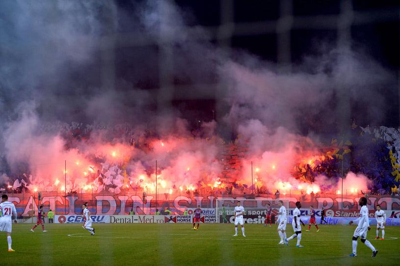 """""""Peluza Nord Steaua"""" și-a anunțat revenirea pe stadion! Fanii au decis de partea cui sunt în războiul dintre Gigi Becali și Armată"""