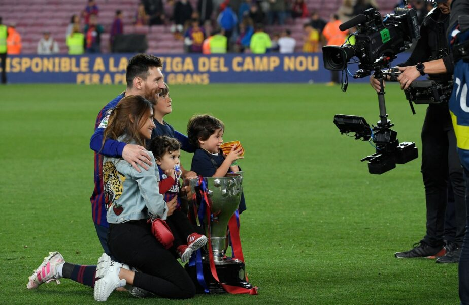 Lionel Messi se relaxează la Ibiza! Imagini inedite cu starul argentinian, alături de un rival din La Liga. Când va semna cu Barcelona