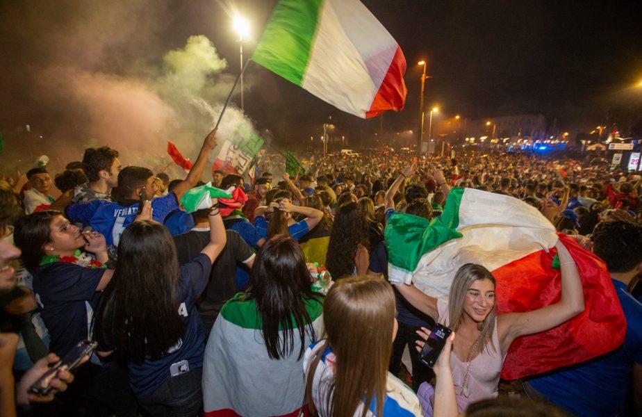 Fanii Italiei sărbătoresc una dintre victoriile de la Euro 2020