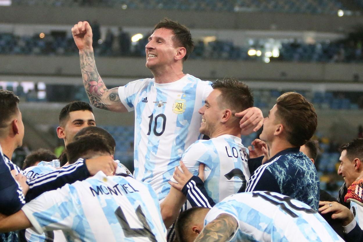 Lionel Messi, favorit la Balonul de Aur