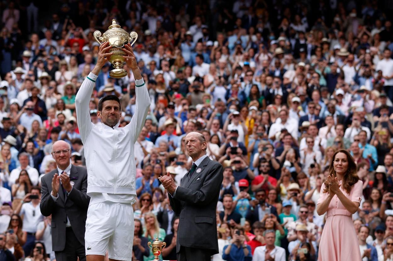 Novak Djokovic le-a mulţumit lui Federer şi Nadal, după ce a câştigat Wimbledon 2021
