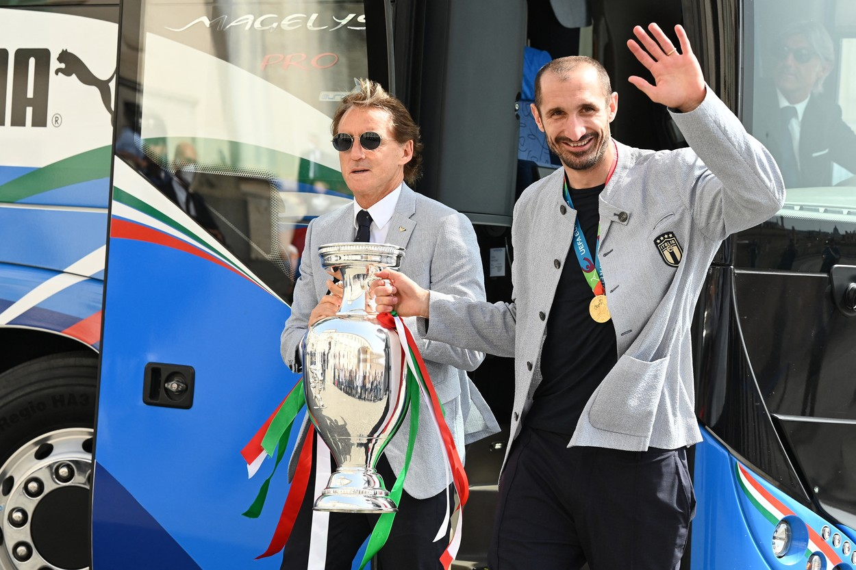 Roberto Mancini şi Giorgio Chiellini