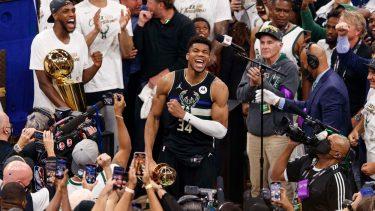 Milwaukee Bucks a devenit campioană NBA pentru prima dată după 50 de ani! Giannis Antetokounmpo a scris istorie pentru Bucks