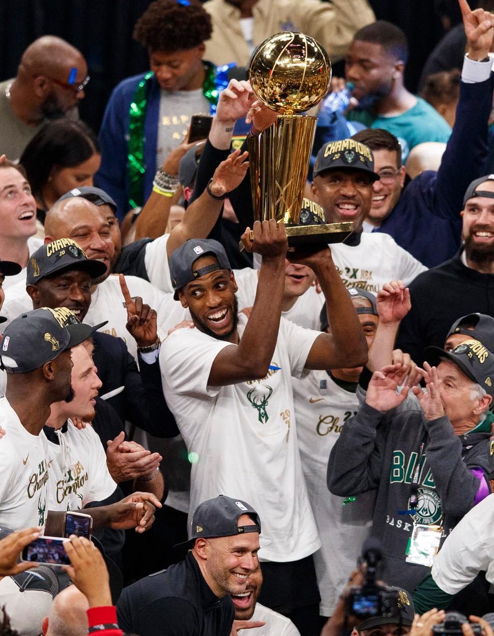 Bucuria celor de la Bucks după ce au luat titlul în NBA